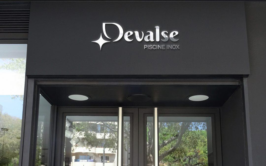 Devalse, un logo fait pour l'inox